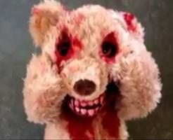 恐怖映像|子供にプレゼントしたら100%トラウマになる血まみれテディベアが怖すぎるw