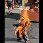 事故映像|溶けたアルミニウムが作業員にかかって燃え上がる怖すぎる工場の現場