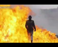おもしろ映像|爆発を無効化する防爆スーツの耐性テストが戦場になってるw