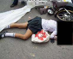 学校帰りに不運な事故で死んでしまった女子高生の死体画像集・・・