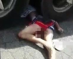 グロ動画|サイクリングしてたらトラックに轢かれた女の子。トラックの重さには体が耐えれなかった・・・
