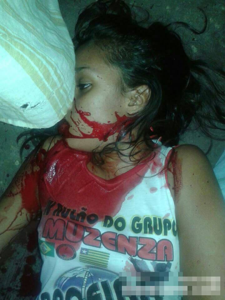 14歳で不倫しちゃった女の子ランチ中に射殺されてしまう|グロ画像