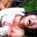 山奥で首絞めレイプされて泣き叫ぶ日本のJK※無修正エロ動画