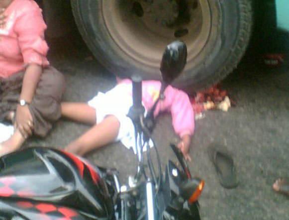 天使のようなロリ少女の事故死写真。悪夢としか思えない光景…※閲覧注意