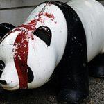 暴走モード突入したパンダちゃんが人間を襲う!決して背を見せてはいけない・・・