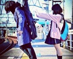 """実録!電車の運転席のカメラがとらえた""""線路への突き落とし事件""""の瞬間の映像!!"""