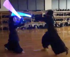 おもしろ動画|外国人大喜びw剣道の有段者がライトセイバーで試合した結果www