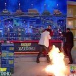 衝撃映像|生放送中の子供番組で火災発生!何とか笑いに変えようと頑張ってみたらカオス状態にww