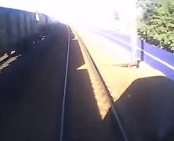 閲覧注意|~運転席の車窓から~ 線路で遊んでた子供4人が…
