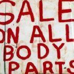 猟奇殺人|ズタズタに切り裂かれた女の死体が臓器密売されたっぽい… ※動画