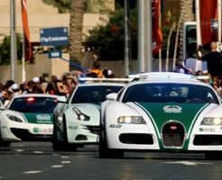 衝撃|モーターショーじゃないんだなこれが!ドバイ警察のプロモーション、高級車ばっかりでうらやまし過ぎるw