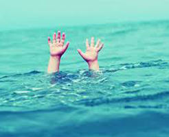 衝撃|ちょっと目を離した隙に…子供とプールに行って目を離してはいけないのがよく分かる映像