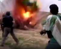 衝撃|ISIS兵を制圧した! → 「!!!、あかーん!自爆ベルト!自爆ベルト!!」