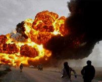 【グロ画像】140人が死亡したタンクローリー爆発現場、直前の様子写真に写ってる人たち全員死んだと思うと怖すぎ=パキスタン