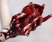 【超・閲覧注意】斬首したてで、まだ息のある身体から心臓を取り出すグロオンパレード、心臓がまだ…