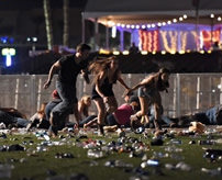 【閲覧注意】ホテルからコンサート会場に銃乱射、50人以上が死亡=アメリカ