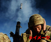 【衝撃】迫撃砲の安全性をレクチャーする兵士が自爆してしまう事故