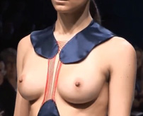 【モロ見え】おっぱい丸出しでも恥ずかしくない!だってオシャレだもん!=ファッションショー