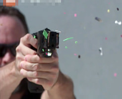 アメリカで警察が使ってるテーザー銃の威力を身を持って体験してみた…