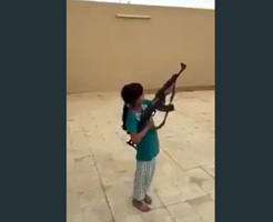 小学校入る前の可愛い幼女にAK撃たせたら死人が出てしまったんだが…