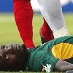 【衝撃】試合中に死亡、サッカー選手がピッチ上で死亡する事故まとめ