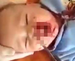 どうして産んだんだよ(怒)…母親がナイフで赤ちゃんの顔を刺す痛ましい事件