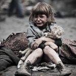 【グロ動画】顔を失って死んだ幼女など・・・戦争の犠牲になった人々にカメラを向けてみた