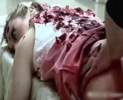 【エログロ】死姦フェチの友達と一緒に金髪美女を殺人レイプしてみた!