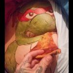 ガチ素人カップル撮影!彼女のお尻にピザをブチこむ寝起きドッキリ企画ww