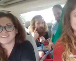 【衝撃映像】リア充カップル×2「うえーいwwwひゃっはー!」40秒後に盛大に事故る…