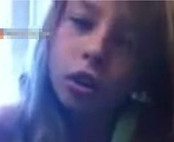 美女がひたすらシュレッダーをかける目の保養になりそうな映像 からの髪の毛が…