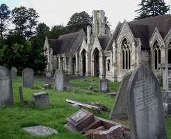 【画像】夜なら絶対怖い(確信 けど明るいうちはなんだか神秘的に見える世界の墓地ギャラリー
