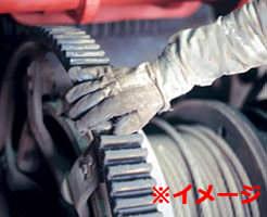 回転する工場の機械に巻き込まれて、ぐるんぐるんに人間が巻きついたら…