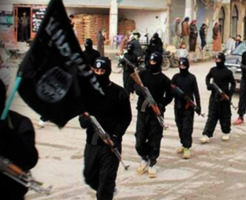 【イスラム国】斬首された体から流れ出る血で川が赤く染まる…ISIS最新処刑映像集