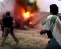 ISIS兵を制圧した! → 「!!!、あかーん!自爆ベルト!自爆ベルト!!」