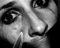 ここも修羅の国か…少年グループ?女性を斬首する=チェチェン