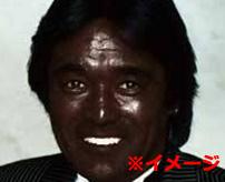 アイーヤ!顔真っ黒になってもうたやんけ!中国でディーゼルエンジンを修理する男があの人に変身!