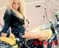 【事故】ホットパンツで露出しまくった女性がバイク事故で足が酷い状態に...