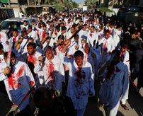 【衝撃】イスラム教シーア派の宗教行事が恐ろしい...刃物で体を傷つけ血まみれ...