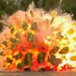 【衝撃】爆発で人間の体が木端微塵に吹き飛ぶ瞬間を捉えた映像...