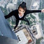 中国の人気ルーフトッパー、高層ビルから誤って転落...死亡