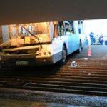 【事故】ブレーキ故障!?モスクワの地下階段にバスが突っ込み4人死亡...