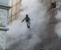 【画像】スポーツ施設で火災、29人が死亡=韓国