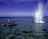 ダイナマイトを放り込むワイルド過ぎる漁法で手が吹き飛ぶ