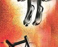 首吊り自殺した女の子、下半身に死斑が集中