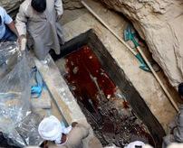 1万7000人が署名 ← 2000年前の古代エジプト石棺の中にある液体を飲む許可を求めて…