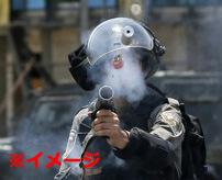 ※音量注意 暴徒鎮圧に催涙弾、耳にダイレクトinで死亡した不運すぎる男性