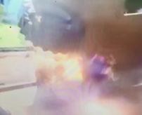 大型タイヤが爆発したときの推進力がヤバい、接触した男性が吹っ飛び即死