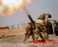 砲弾直撃!生身の人間に迫撃砲が当たった結果…ボロ布のように吹き飛ぶ