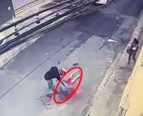 愛する人が目の前で殺される絶望…赤ん坊を抱いて歩いていた夫が突然背後から撃ち殺される…